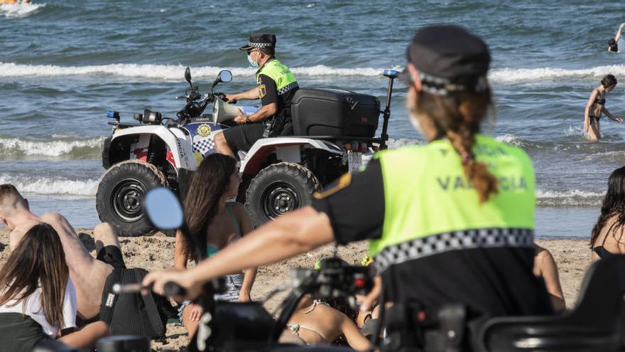 Aislados ocho policías tras ser escupidos por un detenido con coronavirus