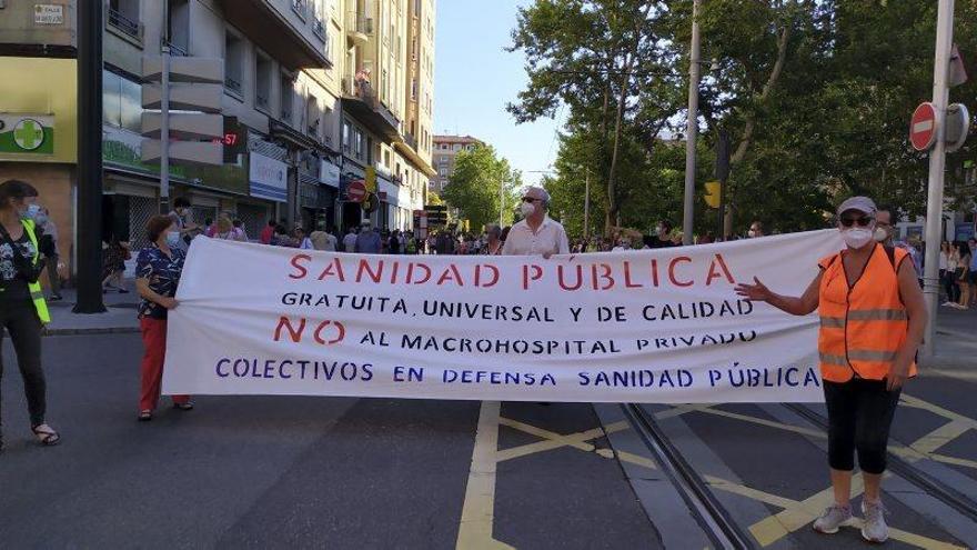 Manifestación en contra del hospital privado
