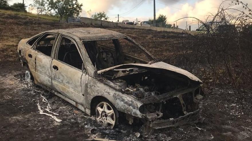 El fallecido en un coche calcinado en Veranes era un guardia civil en la reserva