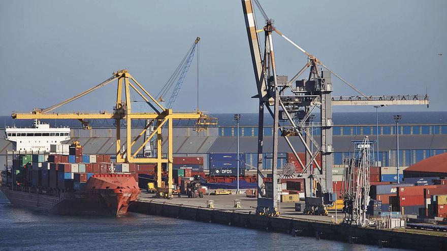 La falta de contenedores vacíos causa demoras en las exportaciones por El Musel