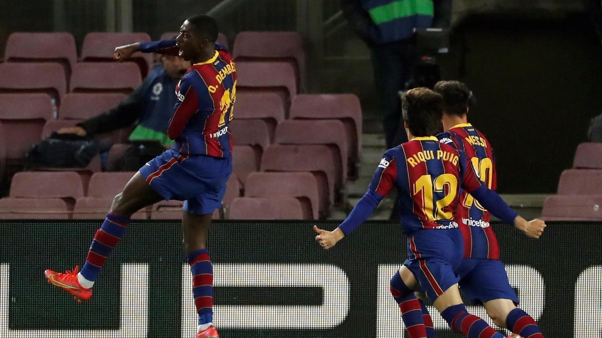 El Barcelona se pone a un punto del líder gracias al tanto de Dembélé.