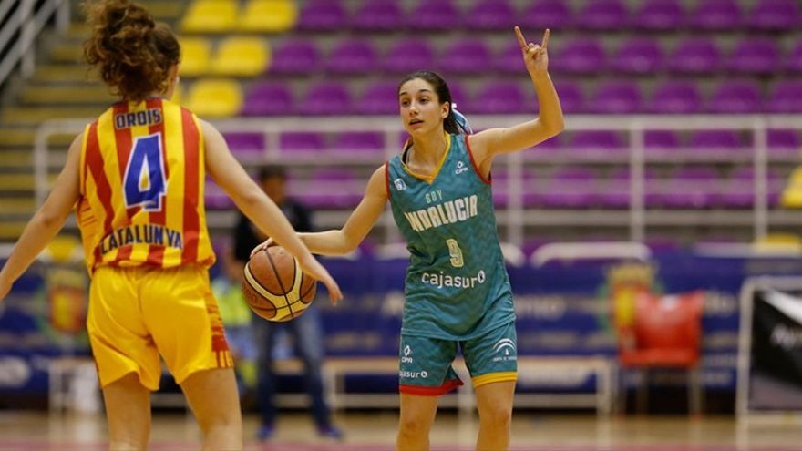 Carlota Menéndez, dirección y triples para el Milar CBF