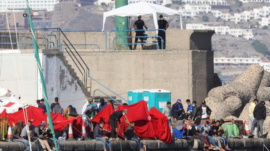 El Gobierno admite que la situación migratoria de Canarias es límite