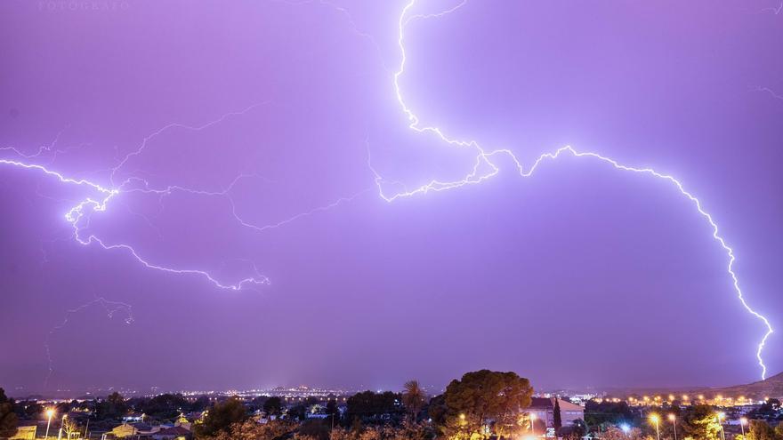 El tiempo en Alicante: riesgo amarillo por tormentas esta tarde en el interior de la provincia