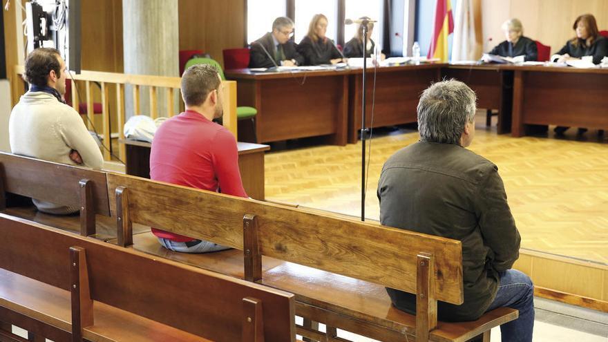 El fiscal pide bajar las penas por una agresión en Baiona al no ver deformaciones en la víctima