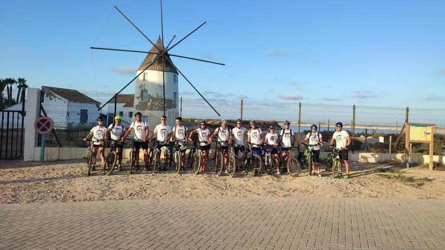 Reivindicativa vuelta al Mar Menor en bici