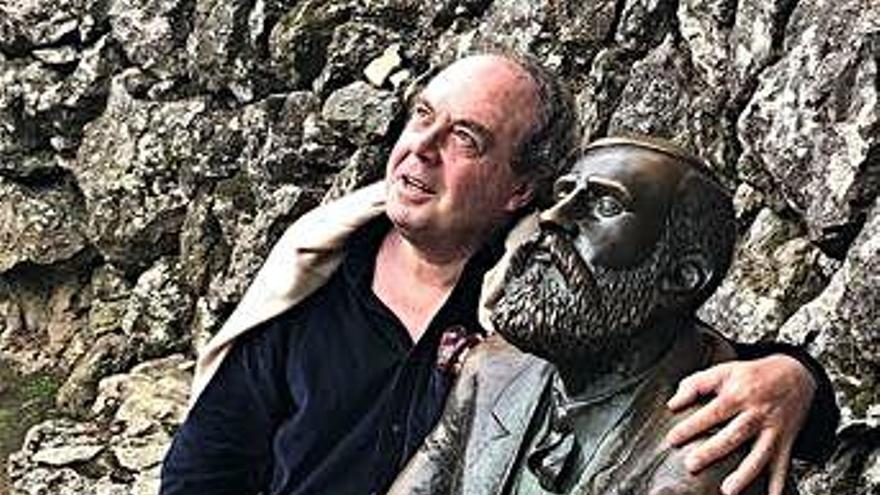 """""""Gaudí es el arquitecto español más admirado y a la vez, el más desconocido"""""""