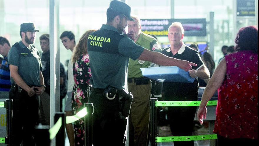 Directivos de Prosegur negociarán con los vigilantes de los aeropuertos isleños