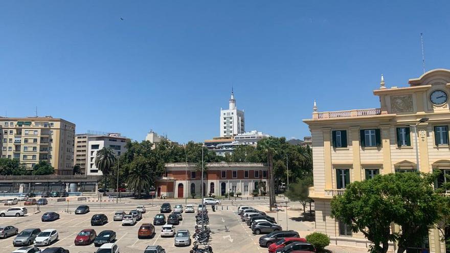 El Puerto de Málaga instalará marquesinas fotovoltaicas junto a su sede