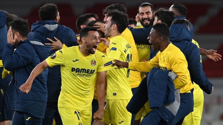 Así celebró la plantilla del Villarreal el pase a la final de la Europa League desde el césped del Emirates