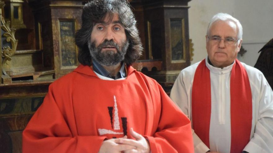 El sacerdote Teo Nieto preside el Quinario de la Soledad