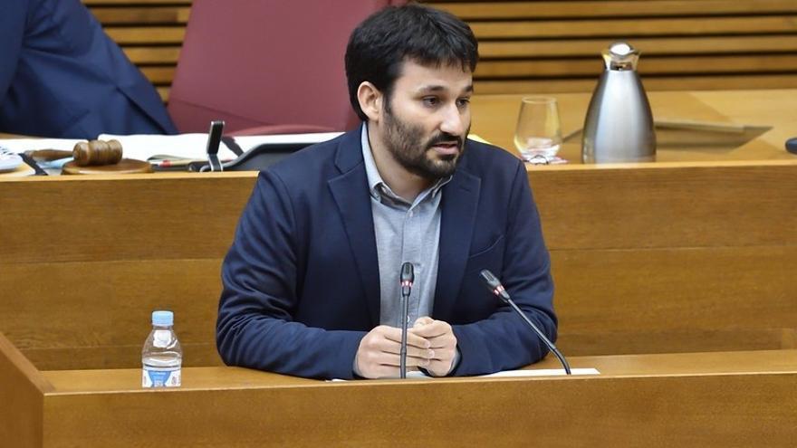 """Marzà pide a los estudiantes cumplir las medidas y seguir siendo un """"gran ejemplo"""" ante los brotes en viajes"""