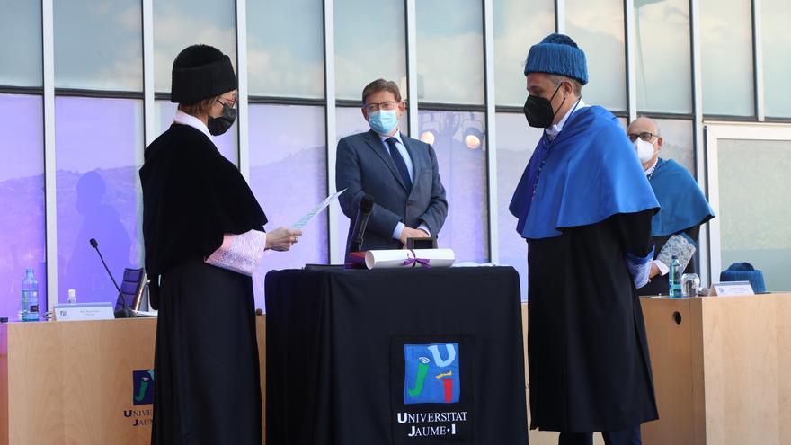 La UJI inviste honoris causa a Xavier Querol, clave en la lucha contra el covid