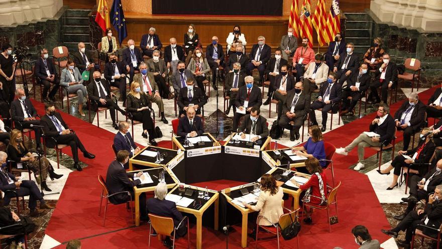 La «Corona de Aragón» se alinea con Puig y la CEV: otro modelo de financiación y más infraestructuras