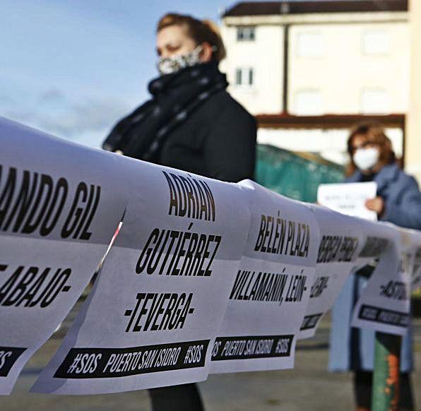 Folios con los nombres de personas que no asistieron por los cierres perimetrales.