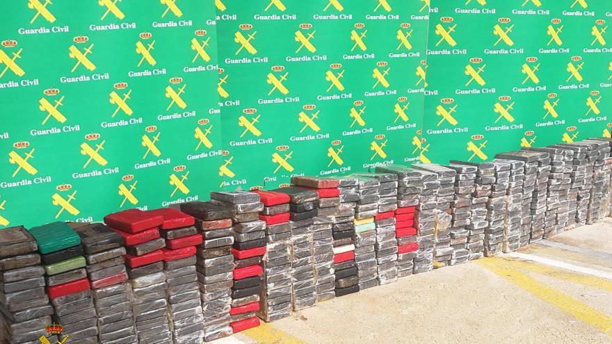 Intervenidos 450kg de cocaína en València ocultos mediante el 'gancho ciego'