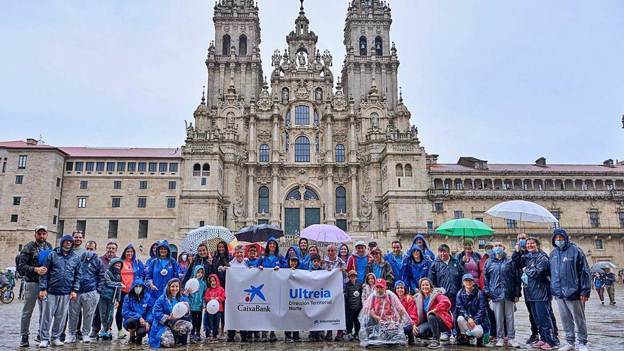 """Mil empleados de CaixaBank """"completan en una mañana"""" el Camino de Santiago"""