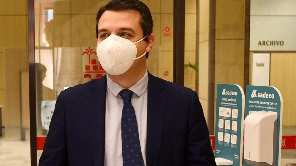 """El alcalde lamenta las """"cortinas de humo"""" de IU y Podemos para """"no hablar de los asuntos que importan"""""""