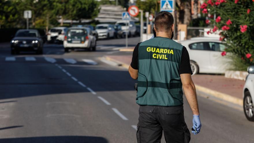 La Guardia Civil desactiva una fiesta ilegal en Ibiza