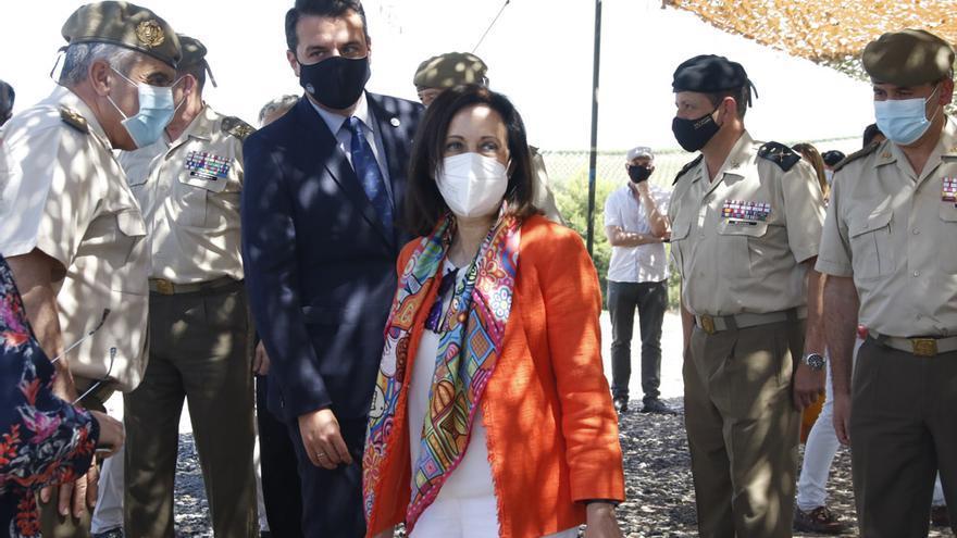 La ministra de Defensa visita los terrenos de La Rinconada donde se ubicará la base logística del Ejército