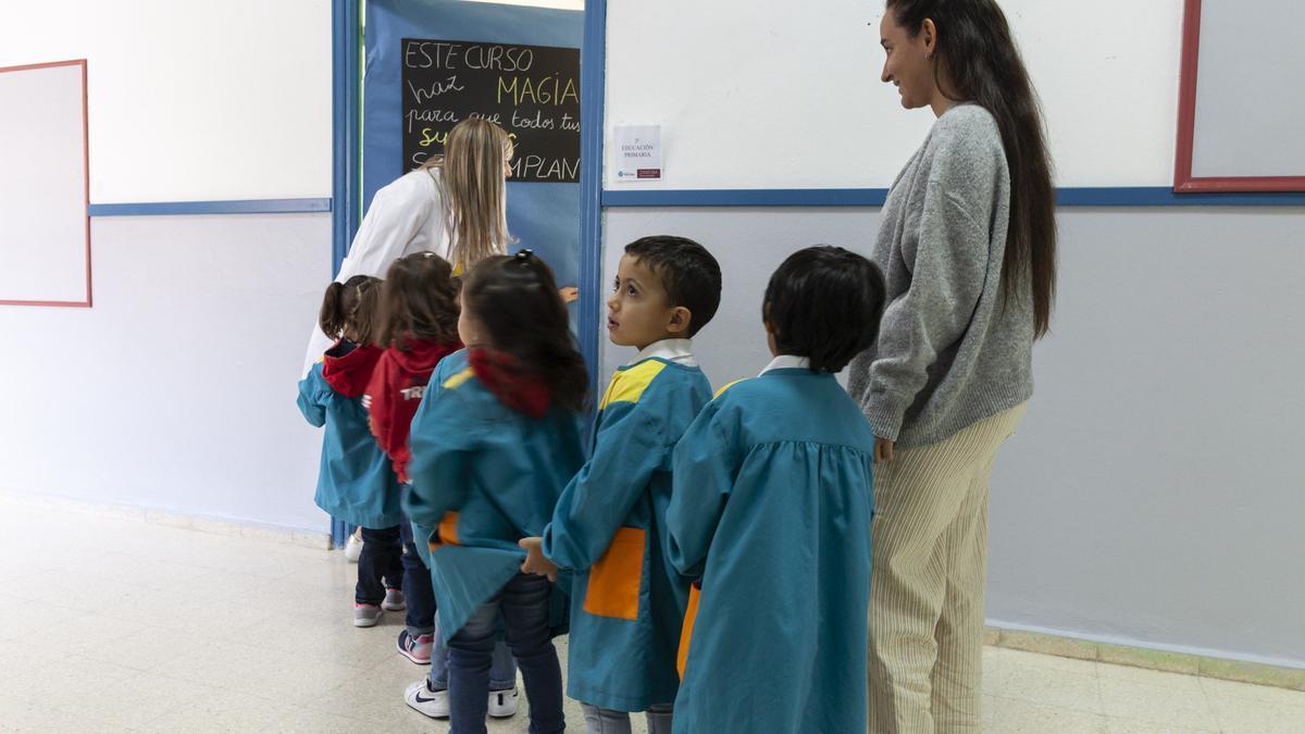 Niños en el primer día de clase