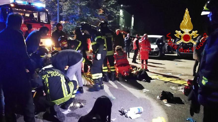 Seis muertos a causa de una estampida en una discoteca de Italia