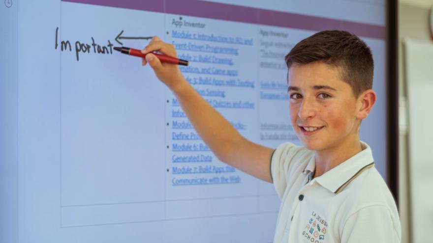 La Devesa School garantiza el aprendizaje con la implementación tecnológica en el aula