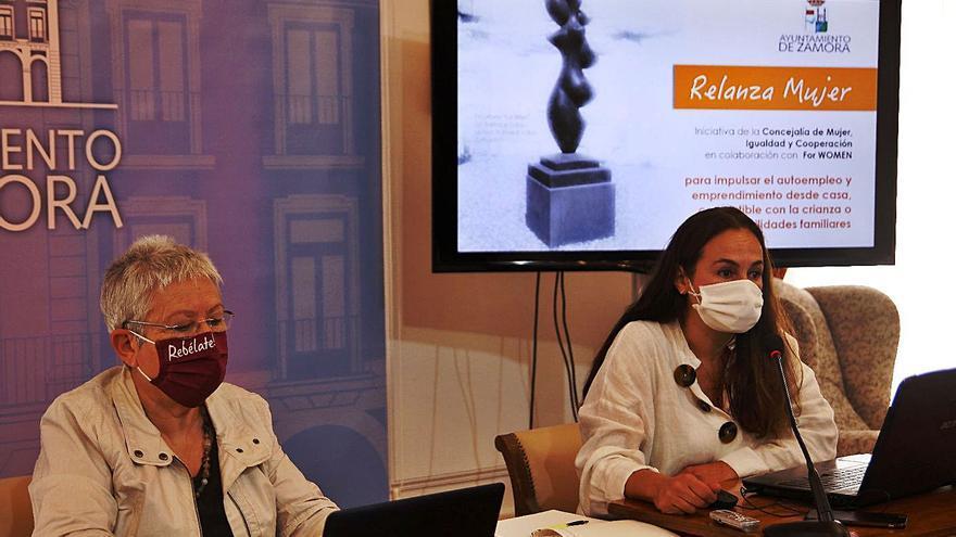Zamora ofrece recursos a las mujeres para proyectos de autoempleo