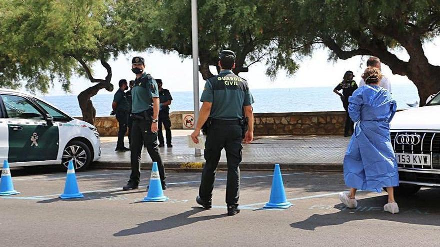 Un home de 86 anys mor ofegat a una platja del passeig marítim de l'Escala