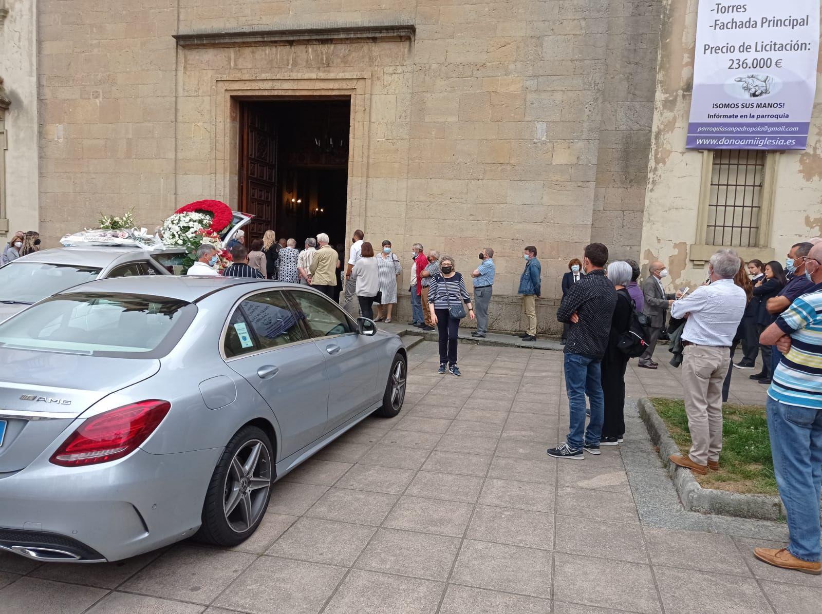 Funeral de Ángel Vázquez, presidente de los Amigos de la Música de Siero