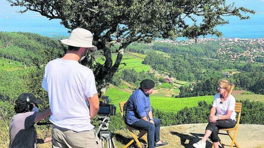 'Caderno de bitácora' descubre en Carril el cultivo de la almeja junto a Lolita García