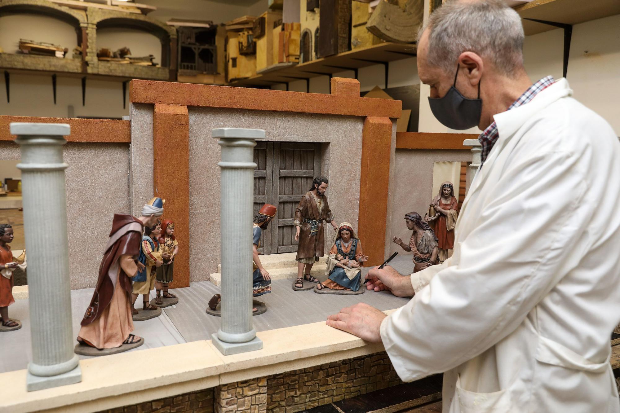 La Asocici�n Belenista de Gij�n prepara su bel�n monumental (2).jpg