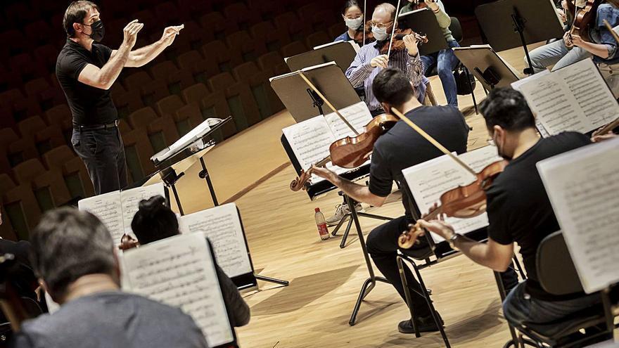 Les Arts convida els més joves a gaudir de l'experiència simfònica amb «Pulcinella»