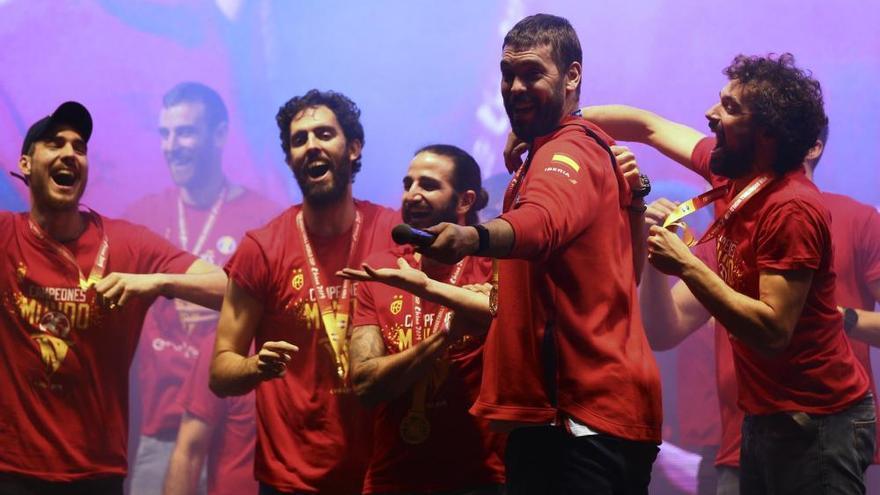 La selección española celebra el título mundial en la Plaza Colón