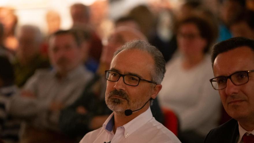 El portavoz socialista declinó asistir a la recepción del Consejo de Gobierno