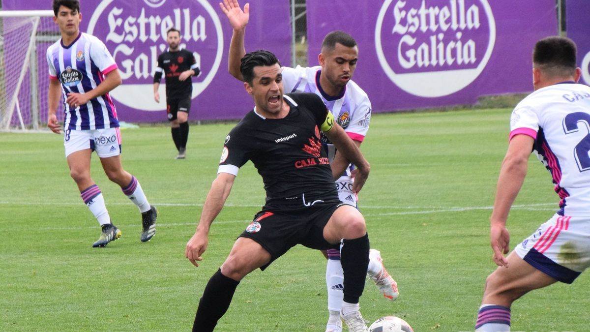 Dani Hernández, con el balón en Valladolid.