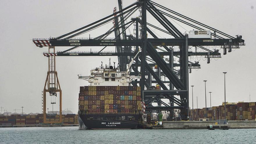 El colapso marítimo eleva el coste de las exportaciones a máximos históricos