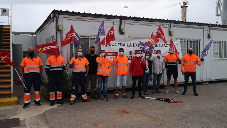 La huelga de amarradores afecta al tráfico de buques y a la estiba en Sagunt