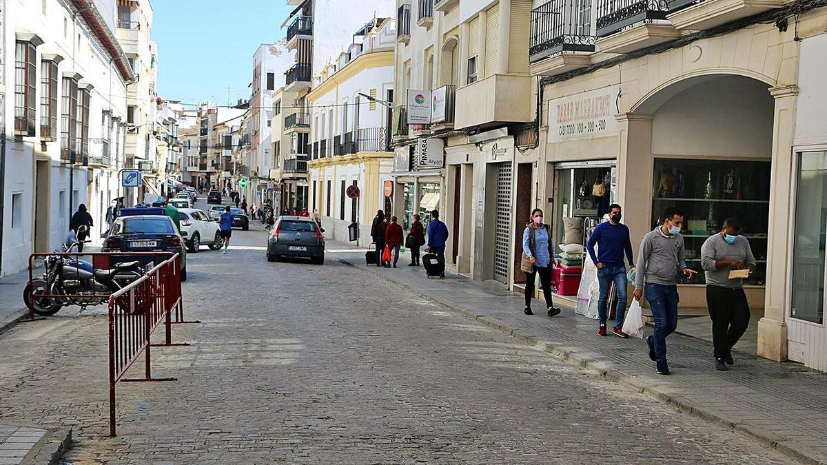 La calle Puerta de Aguilar es una de las vías principales de Montilla.