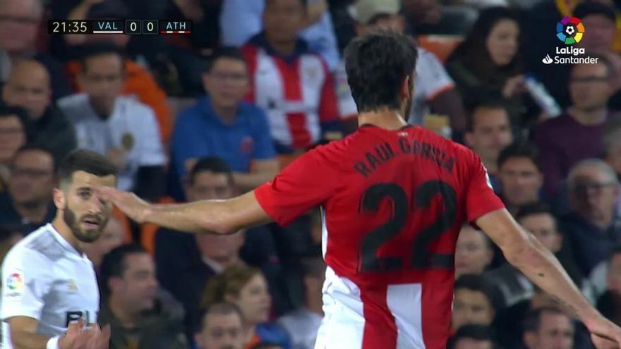El Valencia doblega sin apuros a un inofensivo Athletic Club
