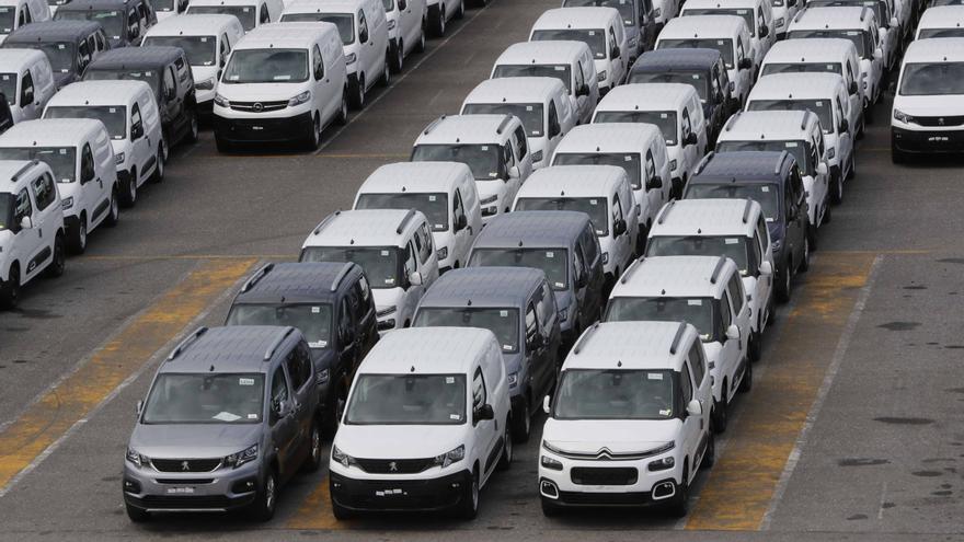 Stellantis roza los 6.000 millones de beneficios pese a dejar de fabricar 700.000 coches