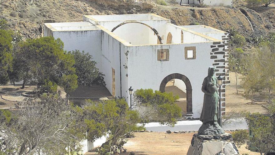 Casas terreras en Las Palmas y 48 fincas rústicas en Puerto del Rosario