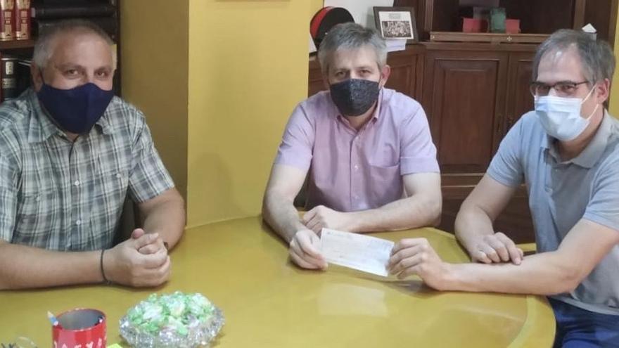 El Centre Excursionista dona 600 euros al fons d'emergència social de Solsona