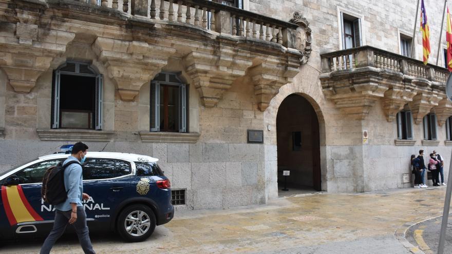 La Audiencia juzga a una mujer y un hombre acusados de narcotráfico en Ibiza