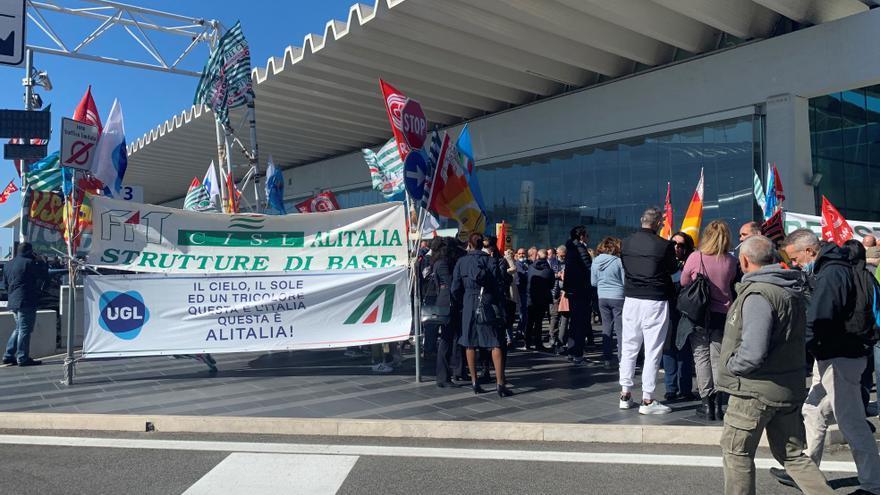 Adéu a Alitalia, un símbol i una història d'èxits i fracassos