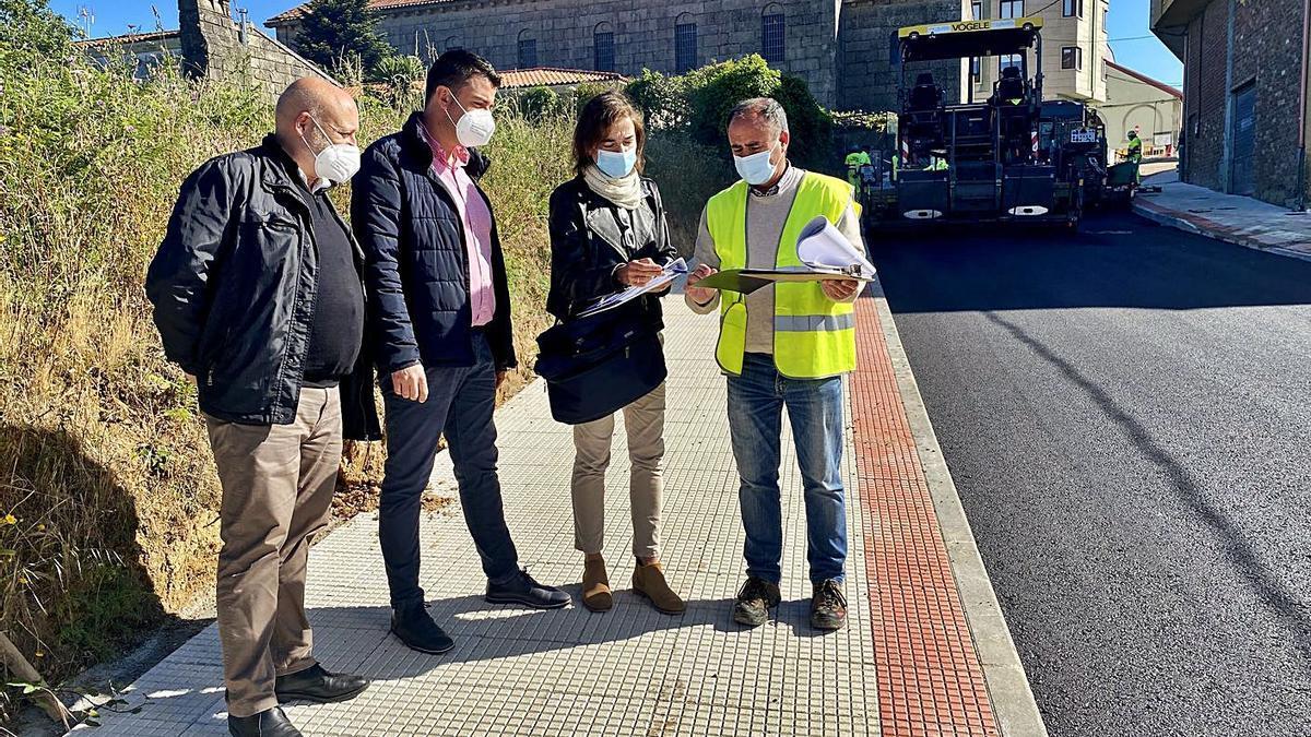 Visita municipal de ayer a las obras.     // FDV