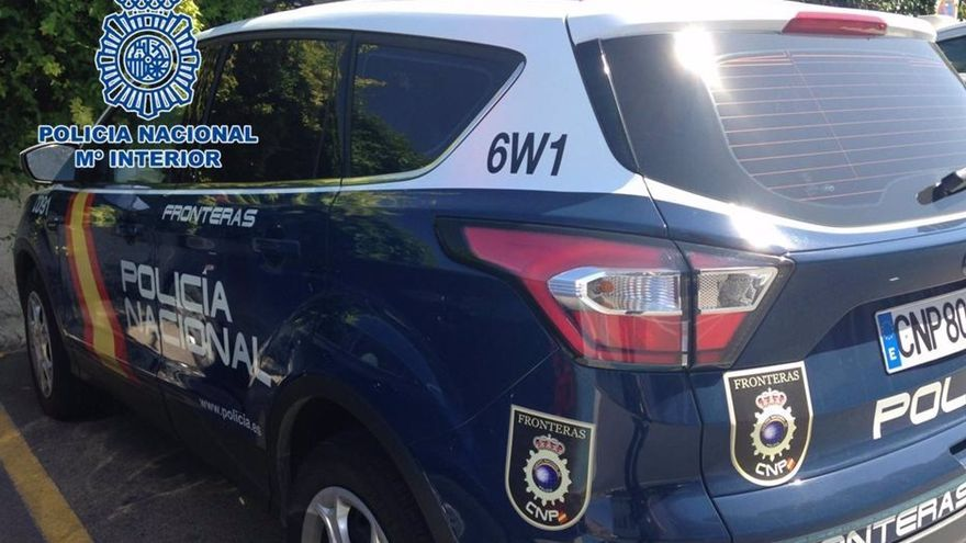 Tres detenidos y un policía herido durante una pelea nocturna en un pub de Oviedo
