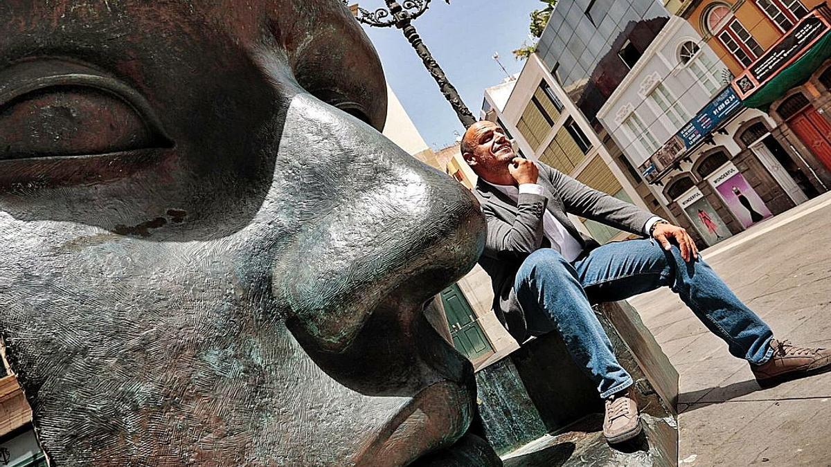 Alfonso Cabello, concejal de Fiestas del Ayuntamiento de Santa Cruz.     MARÍA PISACA