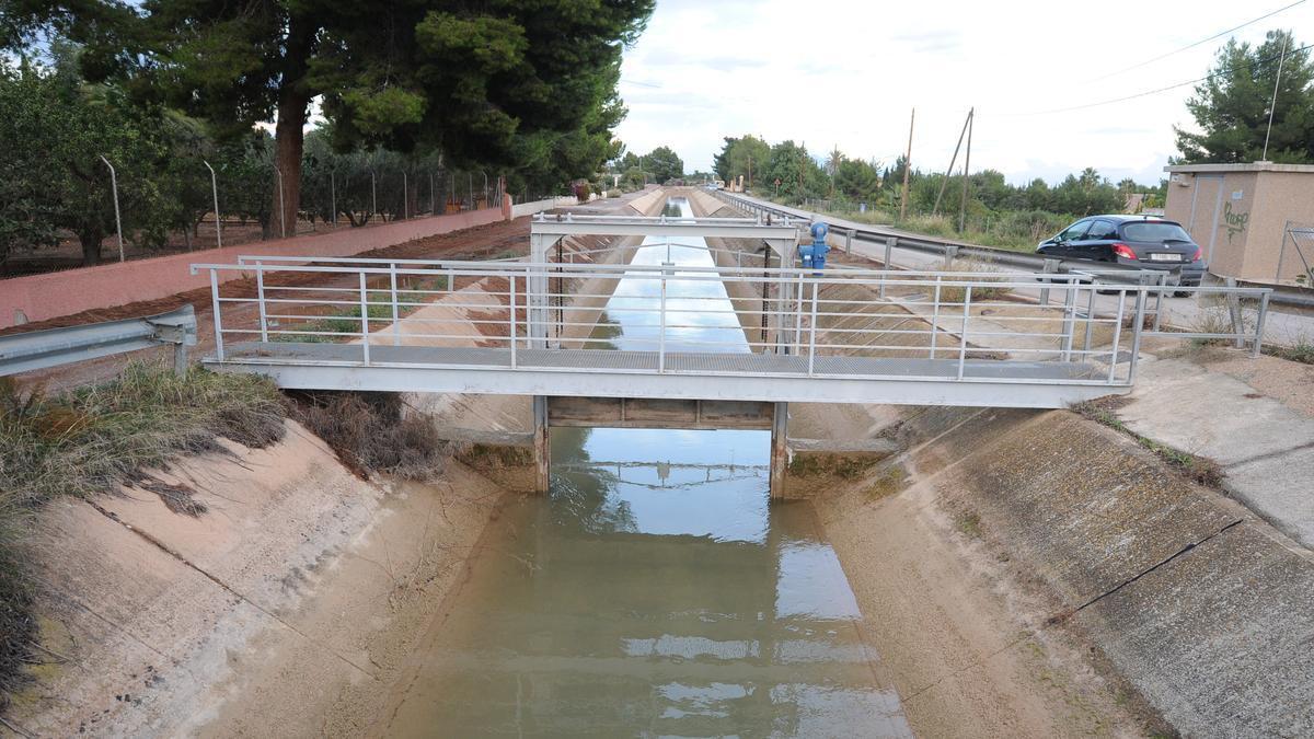 El canal de Trasvase Tajo-Segura, a su paso por Alhama y Totana.
