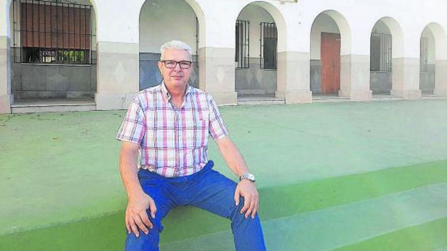 Manolo, el médico que ha cuidado de Maristas durante 40 años